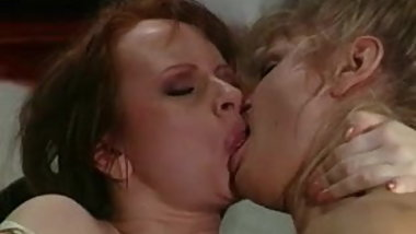 British slut Sarah Jane Hamilton in lesbian action